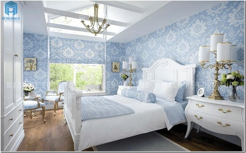 phòng ngủ cái tính với giấy dán tường xanh hoa văn