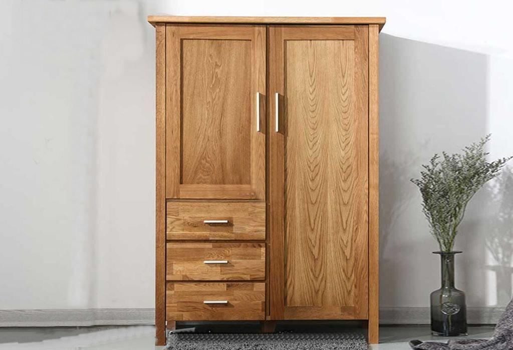 Tủ quần áo gỗ tự nhiên nhỏ gọn, được thiết kế đơn giản