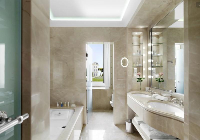 Trần thạch cao trong nhà tắm