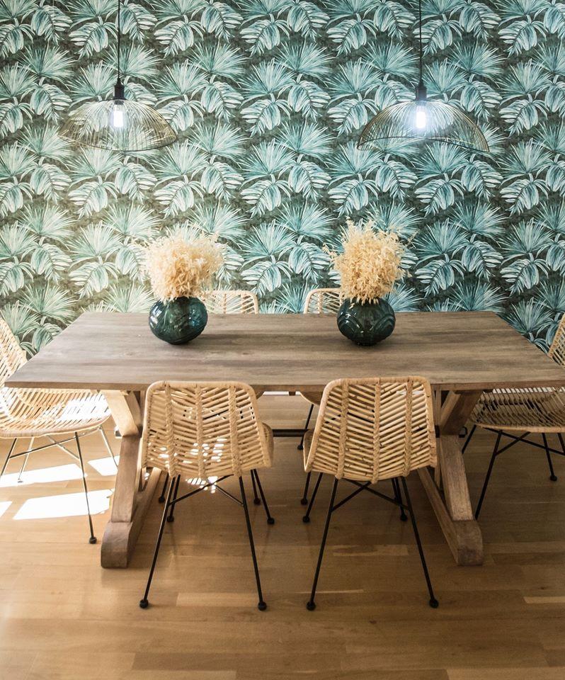 bộ bàn ghế bằng gỗ