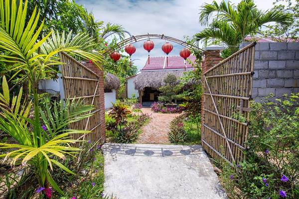 red flower cottage homestay