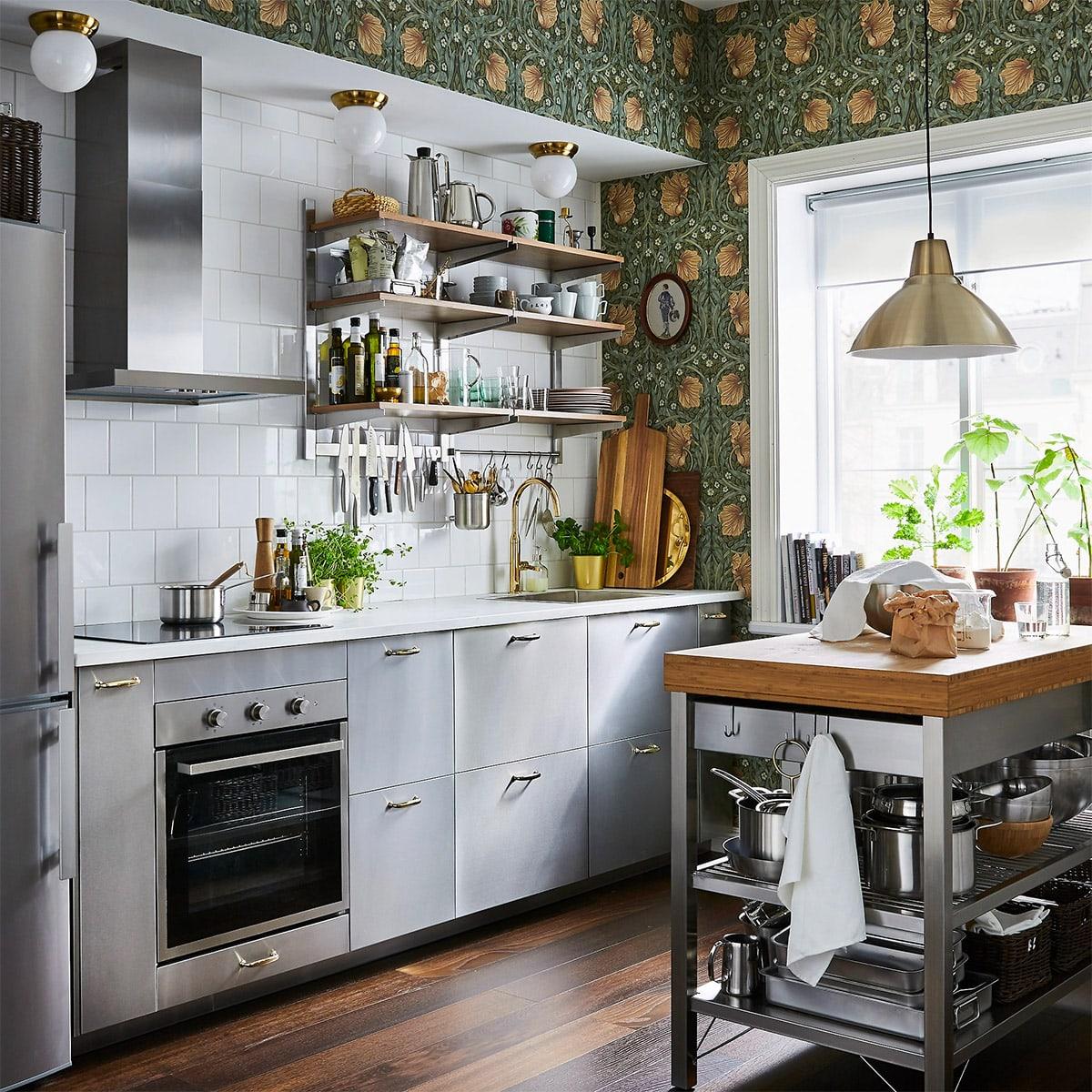 sử dụng giấy dáng tường để trang trí nhà bếp